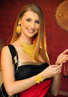 Claudia Ciesla jewelry Calcutta.jpg