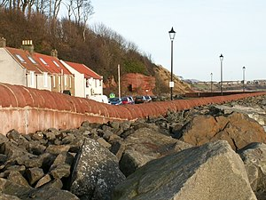 East Wemyss - Sea wall and coast defences at East Wemyss