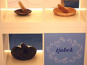 Mortar and pestle - Tjobek the Indonesian word in Dutch spelling for mortars and pestles.
