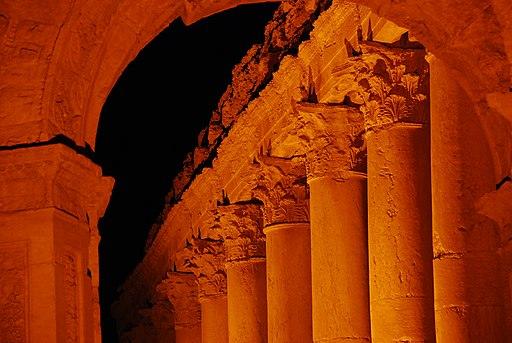 Columnes nocturnes a Palmira (2524485991)