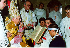 Militia Templi - Cardinal Antonio Innocenti during the Confirmation in the old rite in the Magistral Church. (At the left of the Cardinal is Silvano Piovanelli, belonging to the Archdiocese of Siena and Prelate of the Militia Templi; to his left is Chancellor dom. Andrea Cappelli and the Grand Master.