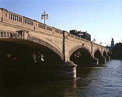 Court Ave Bridge DSM.jpg