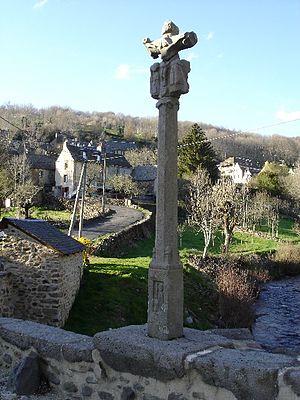 Saint-Chély-d'Aubrac - Image: Croix des pelerins nettoyée
