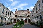 Curtea interioară a Primăriei municipiului Odorheiu Secuiesc.JPG