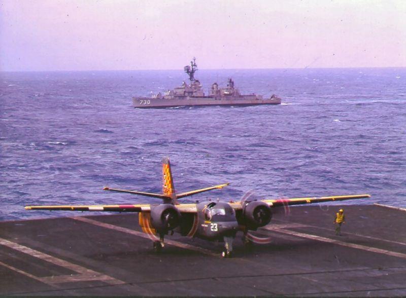 File:DD-730 CVA-43 US-2C 1969.jpg