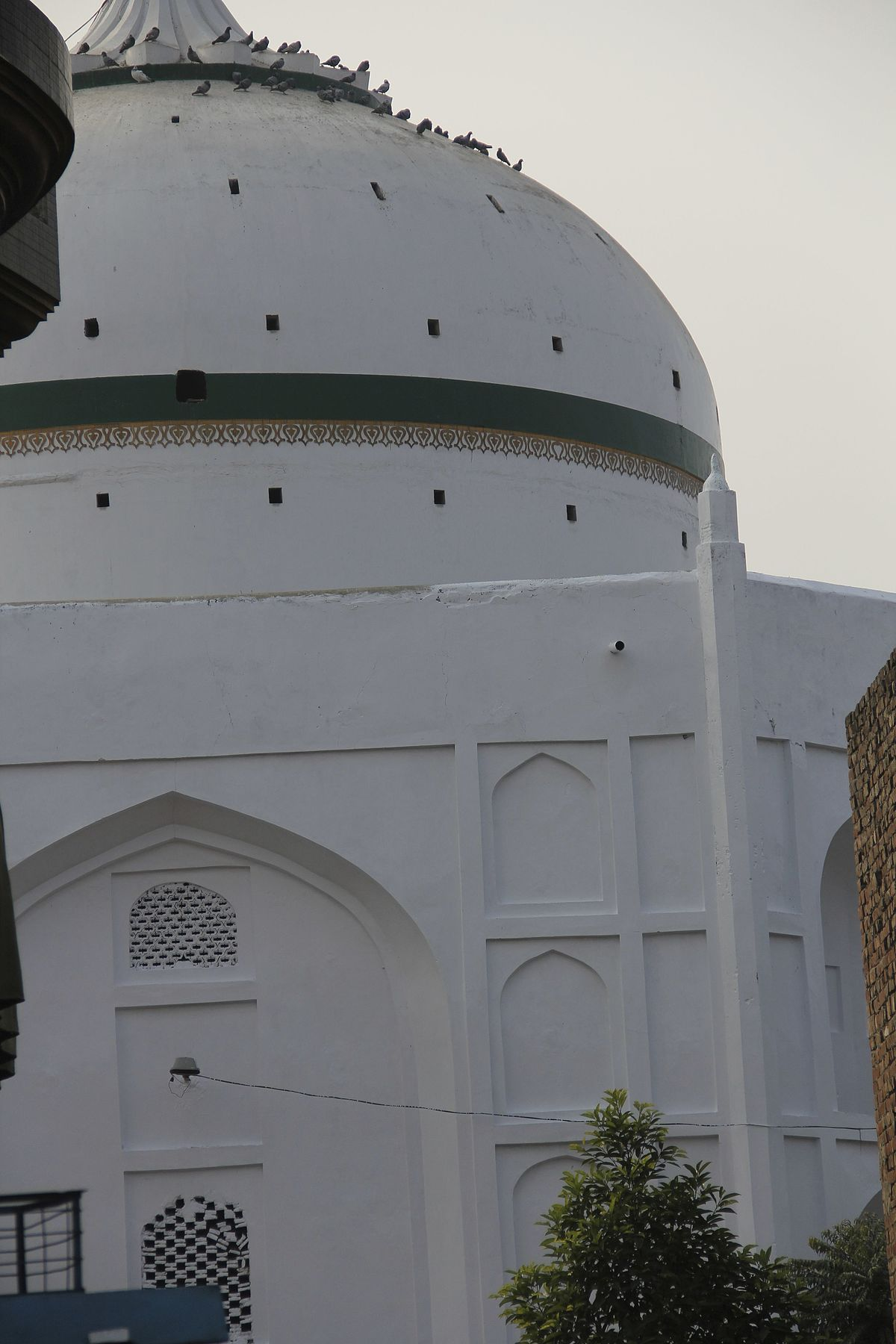Hazrat ishaan wikipedia for Renovation wiki