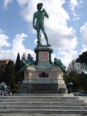 Piazzale Michelangelo - Bronze cast of David facing Florence from the center of the square