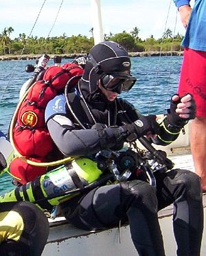 Buddy diving - The Long Hose - Note looping about divers neck