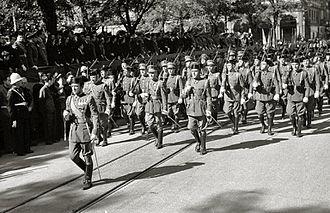 Armed Police Corps - Defile of Guardia Civil and Policía Armada members in San Sebastián, 1942.