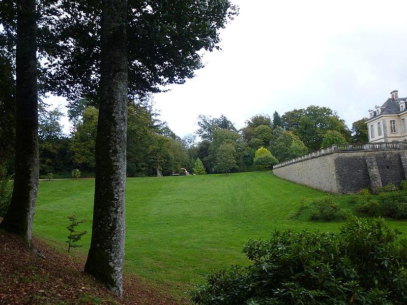 File:Domaine de kerguéhennec - panoramio.jpg