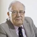 Dr David Hartley.png
