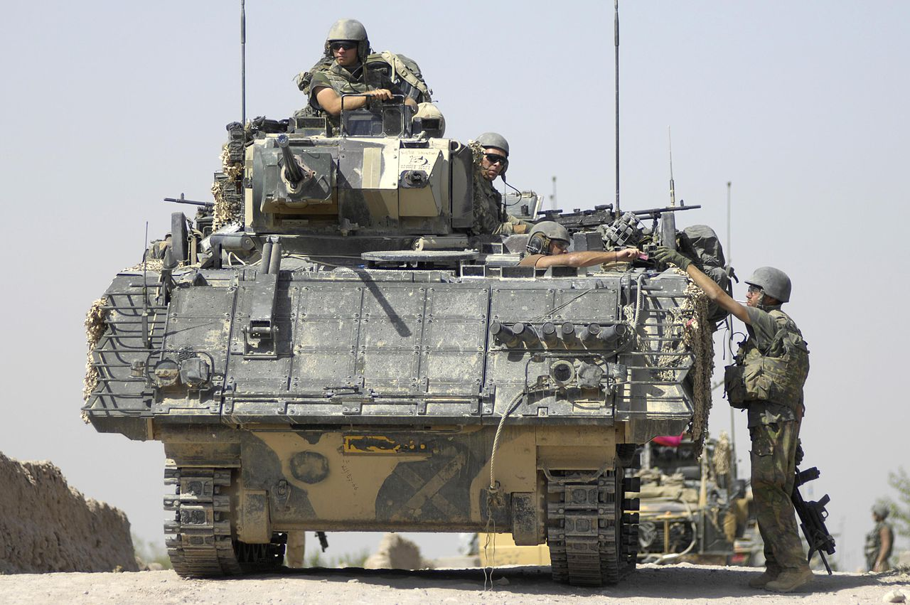 قوات التدخل السريع المصرية 1280px-Dutch_YPR-765_in_Afghanistan
