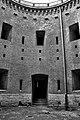 Dziedziniec fortu artyleryjskiego nr 31 Benedykt - panoramio.jpg