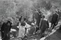 ETH-BIB-Gruppe in einem Garten in Fès-Nordafrikaflug 1932-LBS MH02-13-0355.tif