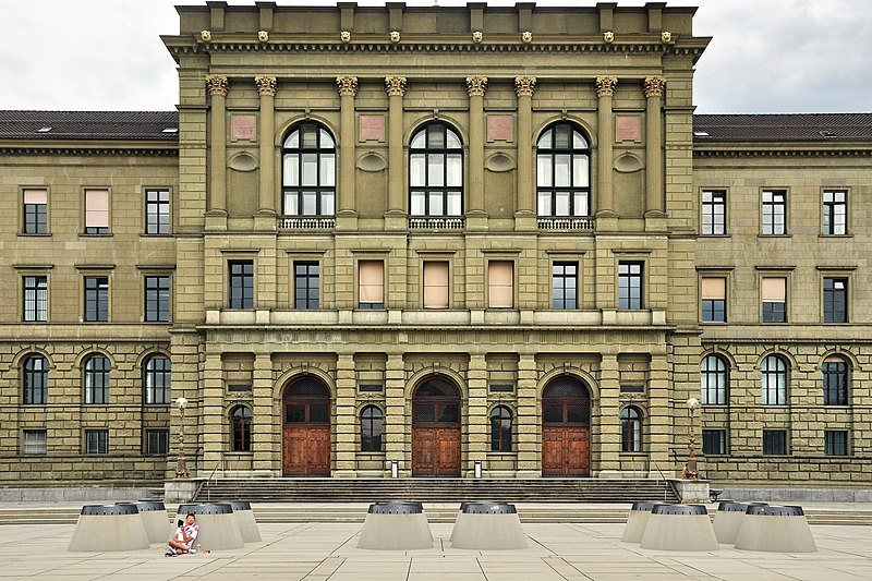 File:ETH Zürich Hauptgebäude, Ansicht von der Polyterasse 2011-08-06 ShiftN.jpg