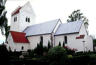 Sådan kommer du til Egå Kirke med offentlig transport – Om stedet