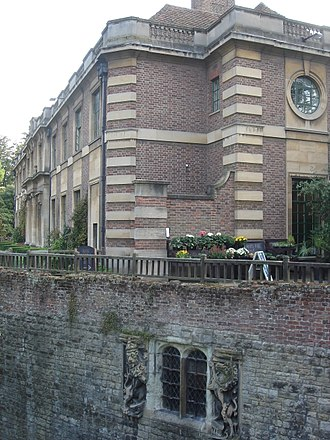 The 'Wonderful Parliament' (1386) - Part of Eltham Palace, where Richard sat out most of the parliament
