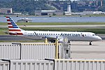 Embraer 190 N948UW at DCA.jpg