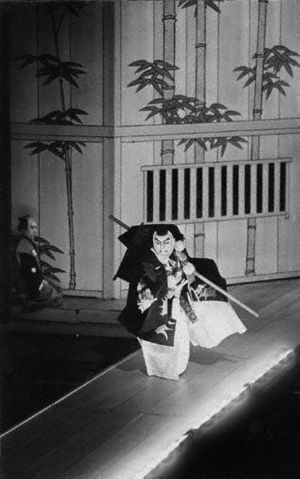 Hanamichi - Benkei's signature disappearing act on hanamichi