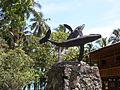 Escultura ballenas parque Isla Gorgona.JPG