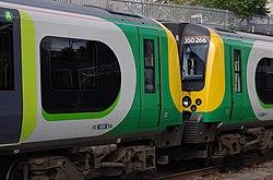 Euston station MMB A5 350263 350266.jpg