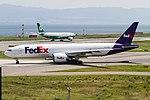 FDX B777F taxing for R-W24L. (9393161554).jpg