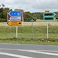 FR 17 Saint-Jean-d'Angély - Panneaux D21b et KD21b.jpg
