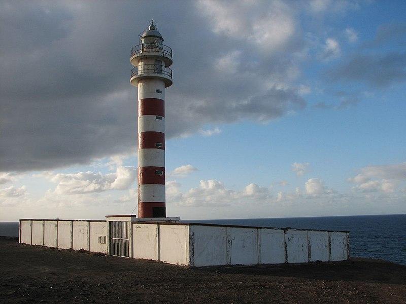 800px-Faro_Punta_Sardina_Galdar_Gran_Can