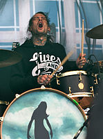 File-13-06-08 RaR Pierce the Veil Mike Fuentes 02.jpg