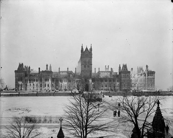 Ottawa To Montreal >> File:Fire - Parliament Buildings - Ottawa, Ont.jpg - Wikimedia Commons