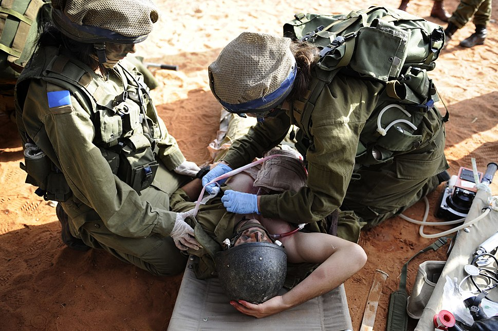 """Flickr - Israel Defense Forces - Field Doctors Treat """"Wounded"""" During Exercise, Oct 2010"""