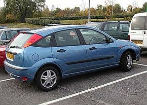 5-ти дверный хэтчбэк Ford Focus первого поколения