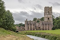 Fountains Abbey 2016 093.jpg