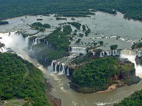 Foz de Iguaçu 26 Panorama Nov 2005.jpg