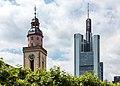 Frankfurt am Main, St.-Katharinen-Kirche und Commerzbanktower -- 2015 -- 6764.jpg