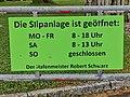 GER — Baden-Württemberg — Uhldingen-Mühlhofen — Unteruhldingen (Marina; Schild Slipanlage) 2021.jpg