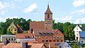 Gasthaus Arnold mit Kirche.jpg
