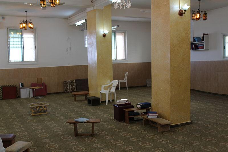 File:Gerizim Samaritan synagogue IMG 2105.JPG