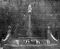 Gniezno. Pomnik ku czci poległych żołnierzy 69. Pułku Piechoty (11. Pułku Strzelców Wielkopolskich), 1923 rok.png