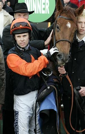 Graham Lee (jockey) - Graham Lee after winning the 2006 World Bet Exchange Now Live at wbx.com Novices' Chase on Aces Four