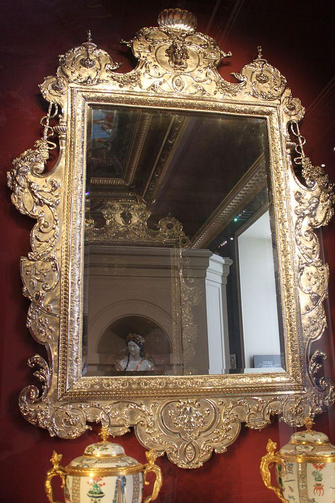Grand miroir mural moderne id e inspirante pour la conception de la maison for Grand miroir mural industriel