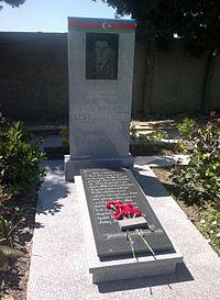 Grave of Mubariz Ibrahimov at the II Alley of Honor.jpg