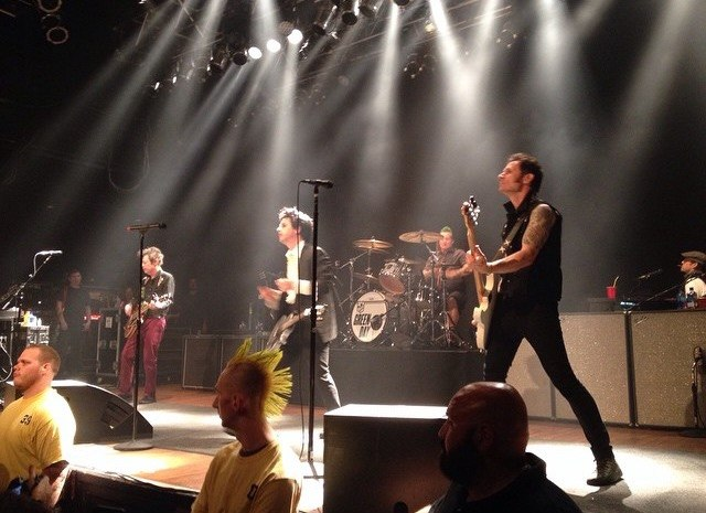 Green Day House OF Blues 2015 2