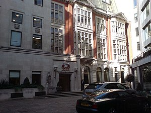Livery company - Grocers' Hall, in Princes Street, is home to the Worshipful Company of Grocers.