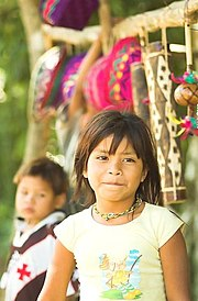 A young Guaraní girl.