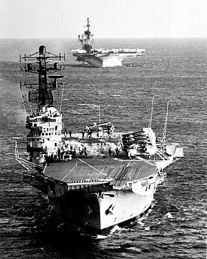 HMAS Melbourne (R21) and USS Midway (CV-41) underway on 16 May 1981 (6380752).jpg