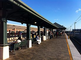 HSY- Los Angeles Metro, Union Station, Platform View.jpg