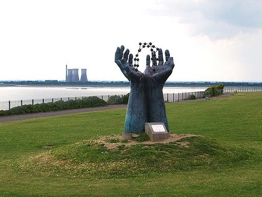 Hands & Molecule Sculpture - geograph.org.uk - 1938390