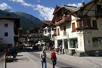 Zillertal - Image: Hauptstrasse Mayrhofen 2