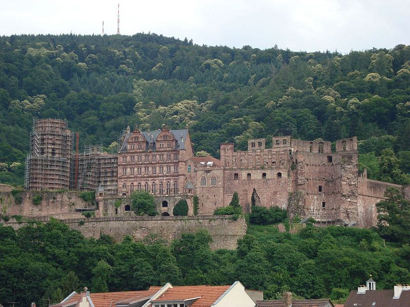 File:Heidelberg Castle on the Hills.JPG